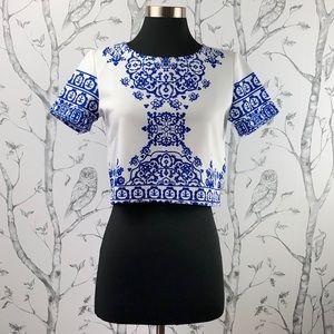 Tops - Boho crop top porcelain print short sleeved small